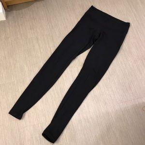 Lululemon black leggings 4